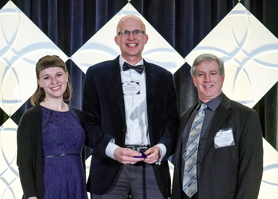 2018 Seattle Moving the Market Award, credit Alabastro Photography